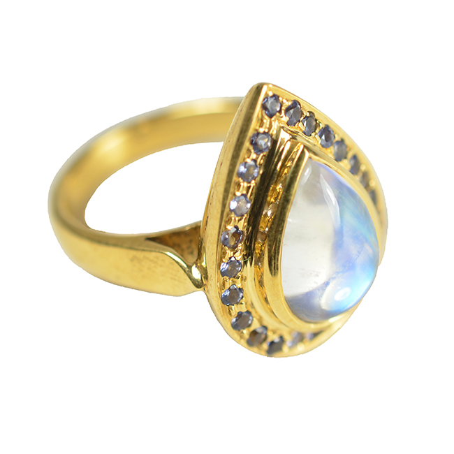 Cocktail Ring Rainbow Moonstone Iolite