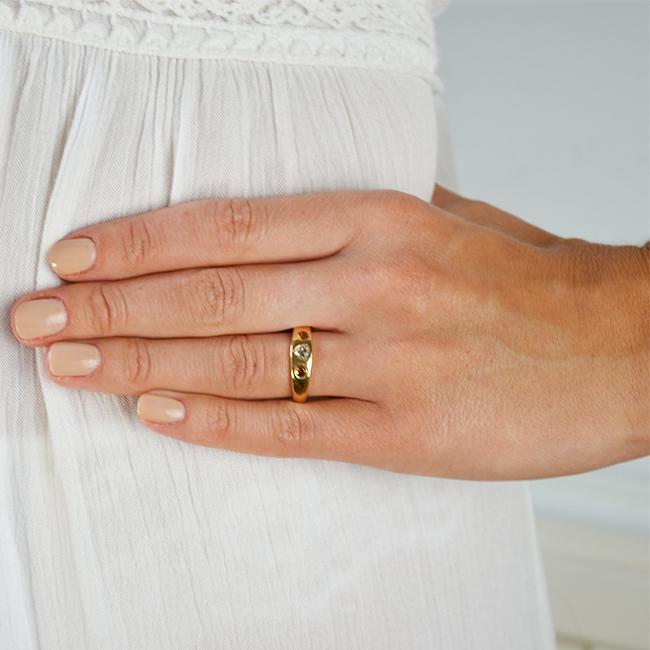gold celebration ring diamond mandarin diamond