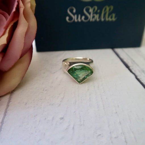 green tourmaline silver cocktail ring2
